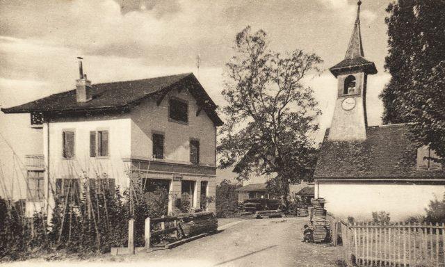Route du Village – L'ancienne poste et la chapelle