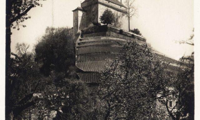 Château du Châtelard vu de Tavel