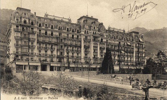 Le Montreux Palace depuis les quais